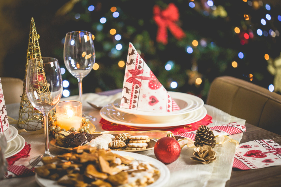 Holiday Season Hosting Tips: How to Throw a Grown-Up Dinner Party